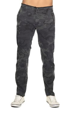 Byblos -  Camouflage chinos - € 240.00