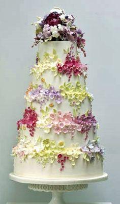 ☆ Wedding cake ☆ Beautiful Floral work!