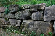 Boulder Retaing Wall Pennsylvania Colnial Field Stone