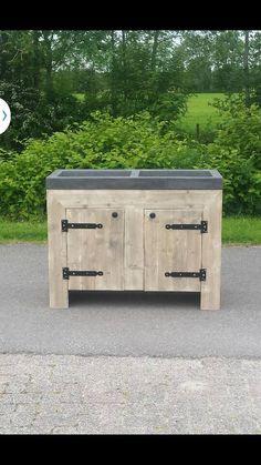 Steigerhouten meubel met een betonlook wasbak,gemaakt bij talsma meubels.