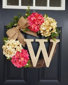 Summer Wreath Monogram Wreath Hydrangea By Simplysundayshop - Summer Door Wreath Ideas Monogram Wreath, Diy Wreath, Wreath Ideas, Door Monogram, Burlap Wreaths, Wreath Making, Grapevine Wreath, Front Door Decor, Wreaths For Front Door