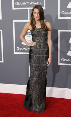 Celeb Diary: Allison Williams @ 2013 Grammy Awards