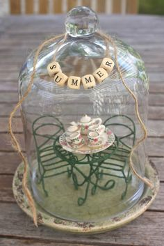 Rooted In Thyme: Summer Cloches & Simple & Sweet Fridays Glass Dome Display, Glass Domes, Glass Jars, Mason Jars, Easy Projects, Craft Projects, Mobiles Art, The Bell Jar, Bell Jars