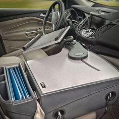 Mobile Car Office Desk - No office seems whole without a desk. Even a simple appearing desk is better than no desk whatsoeve Mobile Desk, Mobile Office, Car Office, Office Desk, Office Furniture, Interior Office, Interior Design, Diy Drawer Organizer, Auto Organizer