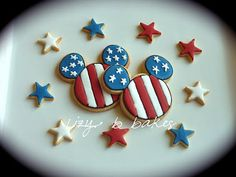 Lizy B: Happy 4th of July! We used to love going to Disneyland on the 4th just for all the Best Fireworks show in town, plus all the other sights and sounds...!