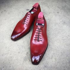 "The ""Grant"" in a flashy cherry colour. Made to Order on the square Deco last and high shined. #gazianogirling #gazianoandgirling #madetoorder #shoeporn #patina #GGGrant"