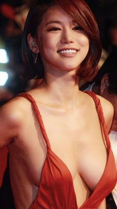 oh in hye 24 The Red Dress Found: Oh In Hye (31 Photos)