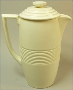 KEITH MURRAY WEDGWOOD ART DECO POTTERY COFFEE POT 1930's