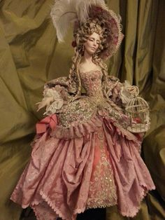 Art doll - this would be lovely in 1:12 scale. The colour and draping is perfect.