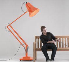 Enorme bureaulamp....so Funny