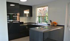 Moderne hoogglans Keller keuken by Tieleman. Grijs gecombineerd met ...