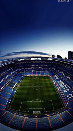 Soccer Stadium, Football Stadiums, Real Madrid Video, Real Madrid Wallpapers, Cristano Ronaldo, Soccer Memes, Sports Graphics, Football Wallpaper, Screen Wallpaper