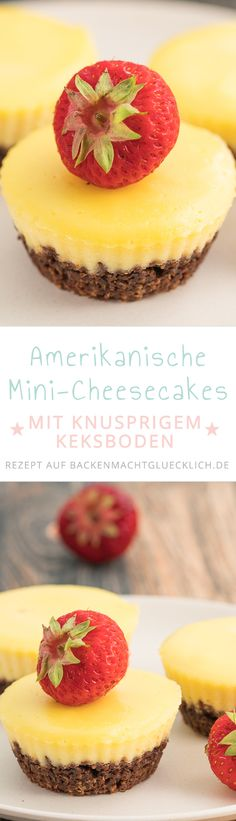 Diese Cheesecake Muffins sind eine Mini-Variante des bekannten US-Käsekuchens: cremig und knusprig wie der große New York Cheesecake, aber im handlicheren Format. Die Käsekuchenmuffins schmecken mit Schokokeksen, Butterkeksen oä
