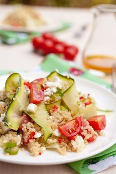 Mediterranean Quinoa Salad - yes please!!! Healthy and delicious! #summerfoods #salads