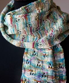 Gingham Scarf by Megan Goodacre - Raverly (not crazy about the yarn but pattern is intriguing)