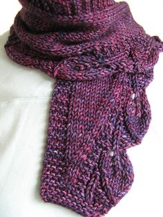 Leafy scarf on Ravelry: Project Gallery for Saroyan pattern by Liz Abinante. Knit Cowl, Knitted Shawls, Crochet Scarves, Knit Crochet, Knitting Scarves, Shawl Patterns, Knitting Patterns Free, Free Pattern, Knitting Accessories