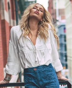 Boho Bella blouse in wit van Spell Designs in The Freedom State - Polo Hemd Bohemian Blouses, Bohemian Tops, Boho Outfits, Fashion Outfits, Spell Designs, Boho Designs, Inspiration Mode, Ootd, Blouse Outfit