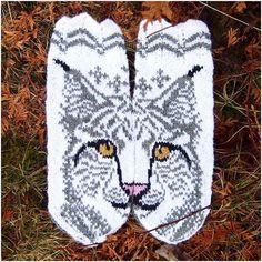 Ravelry: Lovis the Lynx mittens pattern by JennyPenny Crochet Mittens, Mittens Pattern, Knitted Gloves, Knit Crochet, Crochet Hats, Knitting Charts, Knitting Socks, Knitting Stitches, Knitting Patterns