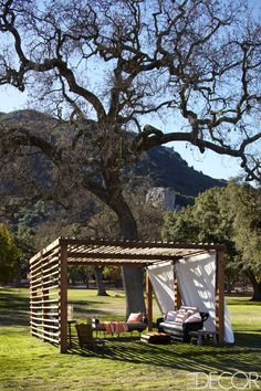 A ranch in the Santa Monica Mountains serves as the ideal retreat, where Portia de Rossi can indulge her passion for horses and Ellen DeGeneres can escape everything—except her obsessive love of design.