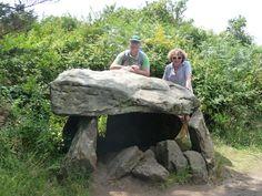 Dolmen de Kerno - Petit dolmen par rapport aux personnes - Ile aux moines - Golf du Morbihan (56)