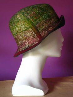 Pam de Groot - Galleries Felt Hat, Wool Felt, Felted Bags, Clothing Boxes, Textiles, Cloche Hats, Headgear, Shibori, Felt Crafts