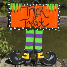 Items similar to Witch sign door hanger witch door hanger witch Halloween sign on Etsy Halloween Yard Art, Halloween Wood Crafts, Halloween Door Hangers, Halloween Rocks, Halloween Porch Decorations, Halloween Signs, Outdoor Halloween, Halloween Projects, Fall Halloween