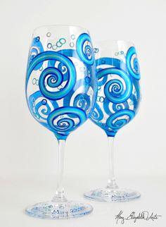 Painted Wine Glasses Ocean Waves Toasting von MaryElizabethArts