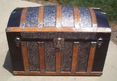 I love old fashioned trunks...I have several of my own to decorate with when I get a condo/apt/home