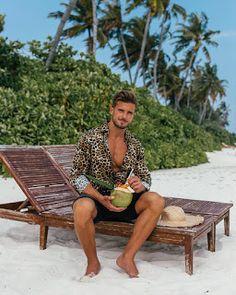 best beach outfit for guys Men's Swimwear, Men's Swimsuits, Beachwear, Beach Photography Poses, Beach Poses, Boy Poses, Male Poses, Beach Foto, Cute White Guys