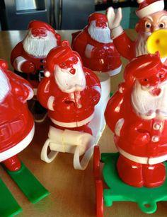 Vintage Hard Plastic Santas Still have mine, had candy in it! Christmas Tree Set, Christmas Past, Christmas Items, Christmas Morning, Christmas Holidays, Christmas Decorations, Vintage Wreath, Vintage Ornaments, Vintage Santas