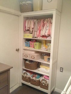 Baby room Trendy Baby Clothes Storage Organizing Hanging Baskets Youth Heroes – A Storing Baby Clothes, Baby Clothes Sale, Baby Clothes Storage, Baby Storage, Storage Ideas, Bookshelf Closet, Baby Shelves, Nursery Bookshelf, Room Shelves
