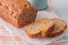 Apple and apricot loaf---This light and bright fruity baked loaf is a guaranteed lunchbox smash hit! Loaf Recipes, Lunch Box Recipes, Lunchbox Ideas, Apple Recipes, Sweet Recipes, Yummy Recipes, Cake Recipes, Recipies, Snack Recipes