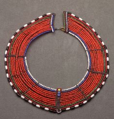 Maasai collar l Kenya l x x cm l Acquired in Hippie Jewelry, Tribal Jewelry, Jewelry Art, Beaded Jewelry, Jewelry Design, Jewellery, Hippie Boho, African Necklace, African Beads