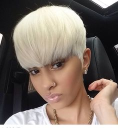 See here the most amazing trends of short blonde pixie haircuts for black women… - Trending searches My Hairstyle, Wig Hairstyles, Straight Hairstyles, Black Hairstyles, Short Quick Weave Hairstyles, 1950s Hairstyles, Blonde Hairstyles, Hairstyles 2018, Short Straight Hair