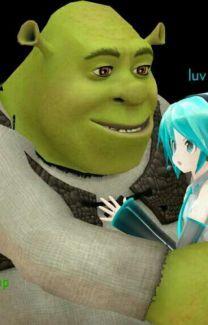 miku x shrek fanfic Shrek, Hatsune Miku, Stupid Memes, Dankest Memes, Miku Chan, Cartoon Memes, Wholesome Memes, Reaction Pictures, Cringe