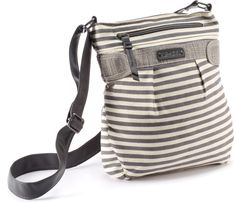 Whatever Lola wants, Lola gets. DAKINE Lola Shoulder Bag - Women's. Available in Olive green too!