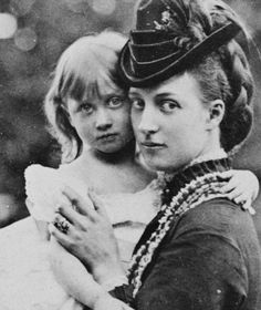 Princess Alexandra, Princess of Wales, with her eldest daughter Princess Louise, the Princess Royal and Duchess of Fife. looks a bit like Diana here . Queen Victoria Family, Queen Victoria Prince Albert, Victoria And Albert, Princess Victoria, Princess Louise, Prince And Princess, Princess Of Wales, Royal Families Of Europe, British Royal Families
