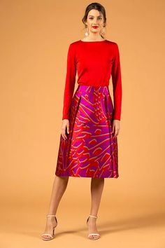 Pink-red abstract skirt - V I K T O R I A V A R G A Trendy Fall Outfits, Pink Patterns, Stripe Skirt, Silk Skirt, Red And Pink, Budapest, Kurti, Light Blue, Spring Summer