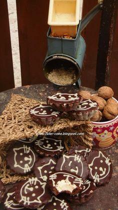 Tácsika Amazing Cakes, Dog Bowls, Nutella, Tiramisu, Ethnic Recipes, Board, God, Tiramisu Cake