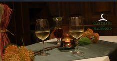 Schönes Waidhofen: Der HALBMOND geht wieder auf ! White Wine, Wine Glass, Alcoholic Drinks, Tableware, The Moon, Nice Asses, Dinnerware, Tablewares, White Wines