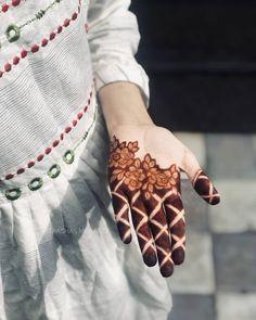 Baby Mehndi Design, Rose Mehndi Designs, Legs Mehndi Design, Full Hand Mehndi Designs, Mehndi Designs For Girls, Mehndi Designs For Beginners, Mehndi Design Photos, Wedding Mehndi Designs, Mehndi Designs For Fingers