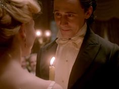 14 Best Tom Hiddleston Moments In The New 'Crimson Peak' Trailer — VIDEO | Bustle