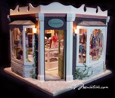 Miniature of Honeydukes created by EV Miniatures. Click through to see lots of detailed tiny candies.