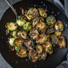 Grilled Brussels Sprouts with Bacon and Balsamic makes an amazing vegetable side dish. The bacon is crispy and the brussels are cooked and charred to perfection on the grill. If you are looking for a grilled side dish, this is it! Rib Recipes, Grilling Recipes, Smoker Recipes, Dinner Recipes, Pork Belly Burnt Ends, Balsamic Marinade, Smoked Pork Ribs, Cooking Prime Rib, Tapas
