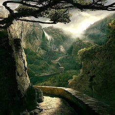 """Robert Frost, """"Mending Wall"""""""