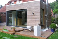Attached to a semi-detached house in Geesthacht Semi Detached, Detached House, Outdoor Office, Outdoor Decor, Garden Pods, Grande Armoire, Roof Extension, Diy Garden Projects, House Extensions