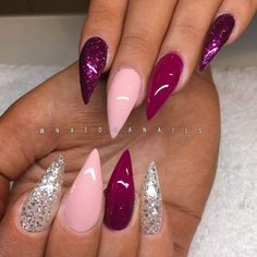 Discover new and inspirational nail art for your short nail designs. Fabulous Nails, Gorgeous Nails, Pointy Nails, Gel Nails, Nail Polish Designs, Nail Art Designs, Magenta Nails, Wedding Nail Polish, Sparkle Nails