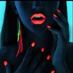Glow-in-the-Dark Makeup.. I want to do this for my party :3