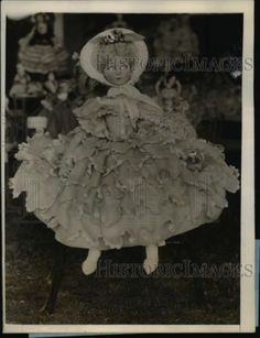 1927-Press-Photo-Exquisite-dressed-dolls-latest-fad-for-society-at-Palm-Beach