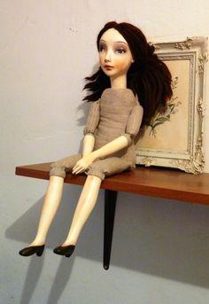 ДОРОГИЕ ДРУЗЬЯ! У меня хорошая новость! Евгения Хамуляк - хозяйка галереи и редактор журнала 'DEAR DOLLY', заинтересовалась тоже нашим с вами процессом виртуального МК по созданию будуарной куклы! И мало того, решила сделать тоже свою будуарочку и увлекла этой идеей своих коллег! А так же предложила взять у меня ИНТЕРВЬЮ и напечатать мой МАСТЕР-КЛ…